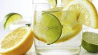 Her Gün Mutlaka Bir Bardak Limonlu Su İçin!
