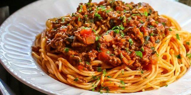 Patlıcanlı Kıymalı Spagetti Tarifi