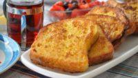 Peynirli Yumurtalı Ekmekler Tarifi