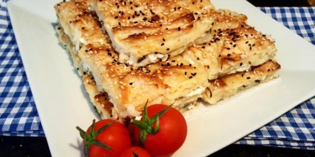 5 Dakikada Harika Peynirli Tepsi Böreği