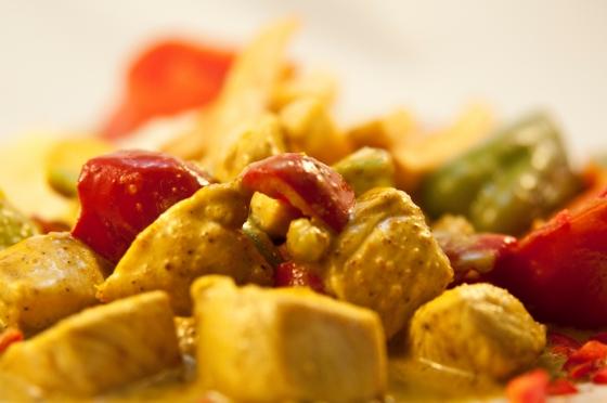 Körili Tavuk Yemeği Tarifi, Köri soslu tavuk